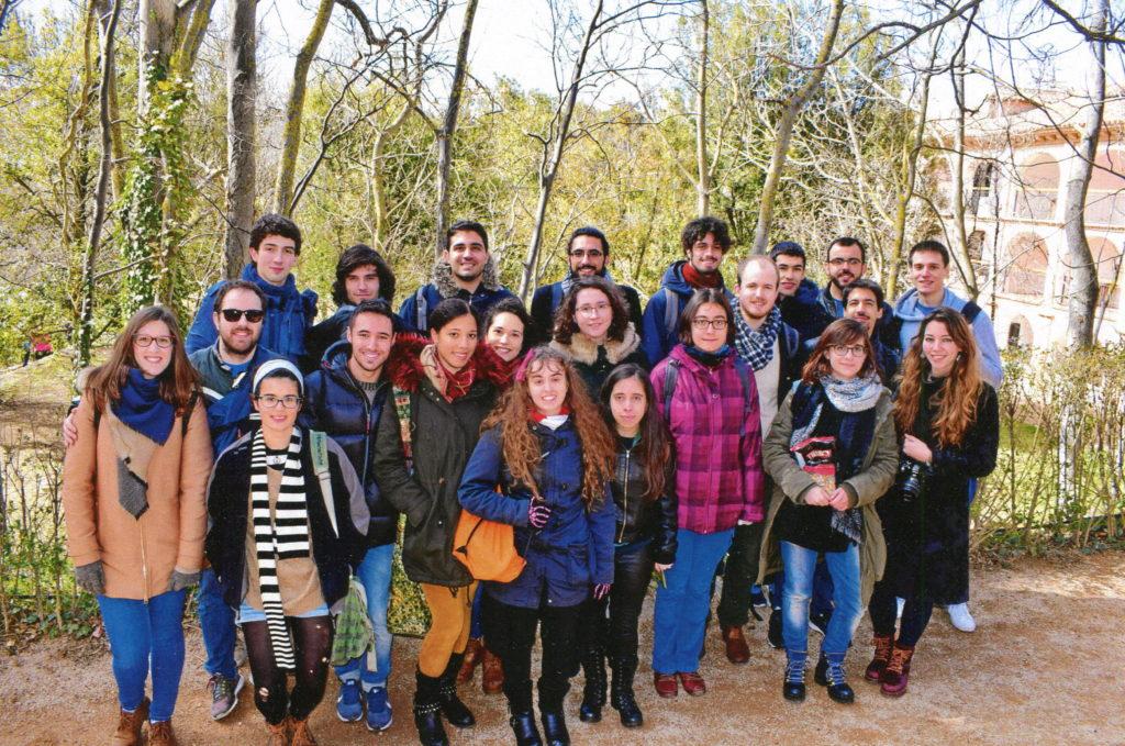 """Grupo de """"Quinters"""" que se animaron a realizar la visita al Monasterio de Piedra."""