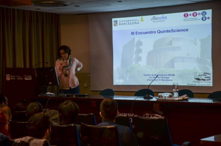 La Dra. Marta Giralt durante la conferencia inaugural del 3r EQS